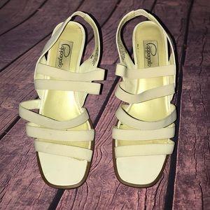 Papagallo Vintage Heels